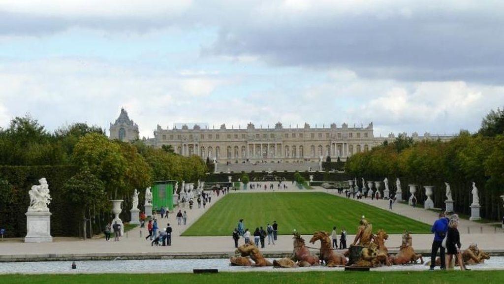 Megah, Ini Istana Terbesar di Eropa