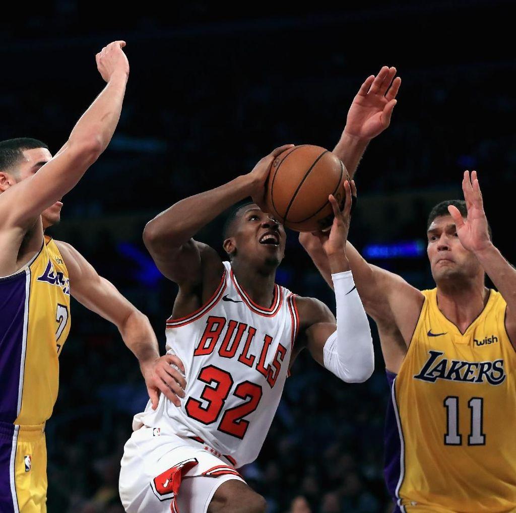 Sempat Tertinggal 19 Poin, Lakers Kalahkan Bulls