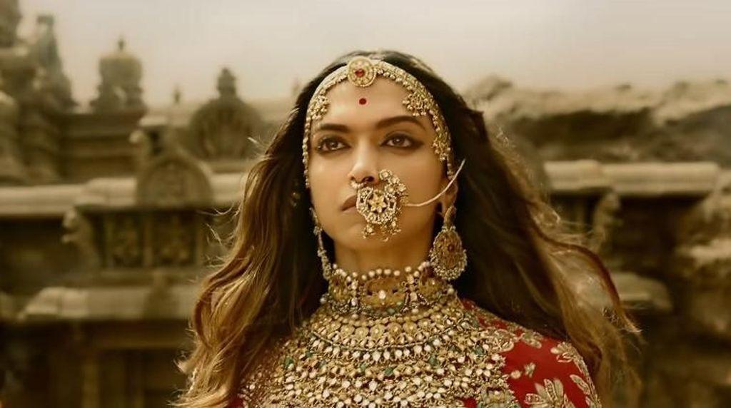 Rentetan Cerita Padmavati Hingga Deepika Padukone Diancam Penggal