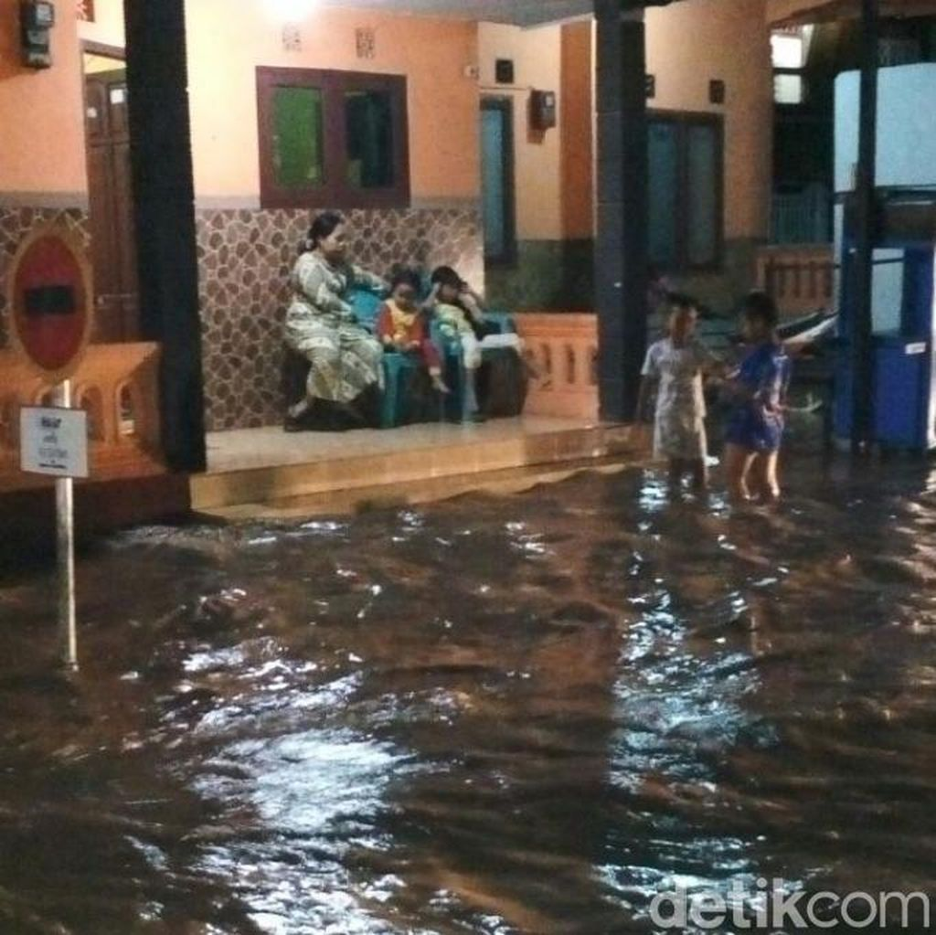 Banjir Landa 12 Desa dan Kelurahan di Pasuruan