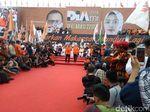 Deklarasi Jadi Cawalkot Makassar, Danny Pomanto Naik Perahu Pinisi