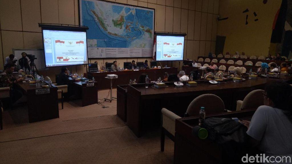 Jokowi Utus Tiga Menteri Bahas RUU Pertanahan di DPR
