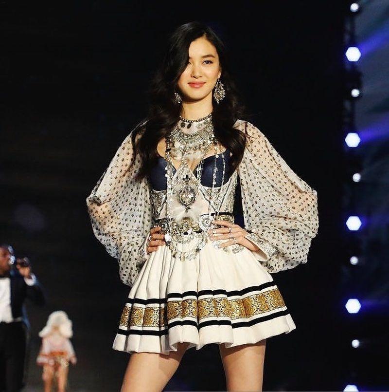 Estelle Chen adalah 1 dari 7 model Victorias Secret yang berasal dari China. Estelle merupakan salah satu yang termuda. Usianya baru 19 Tahun. (@chen_estelle/Instagram)