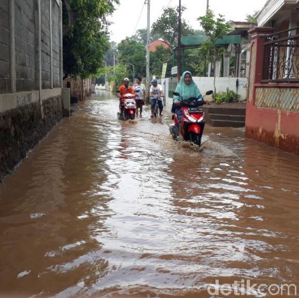 Ini yang Dilakukan Warga Pasuruan karena Rumahnya Langganan Banjir