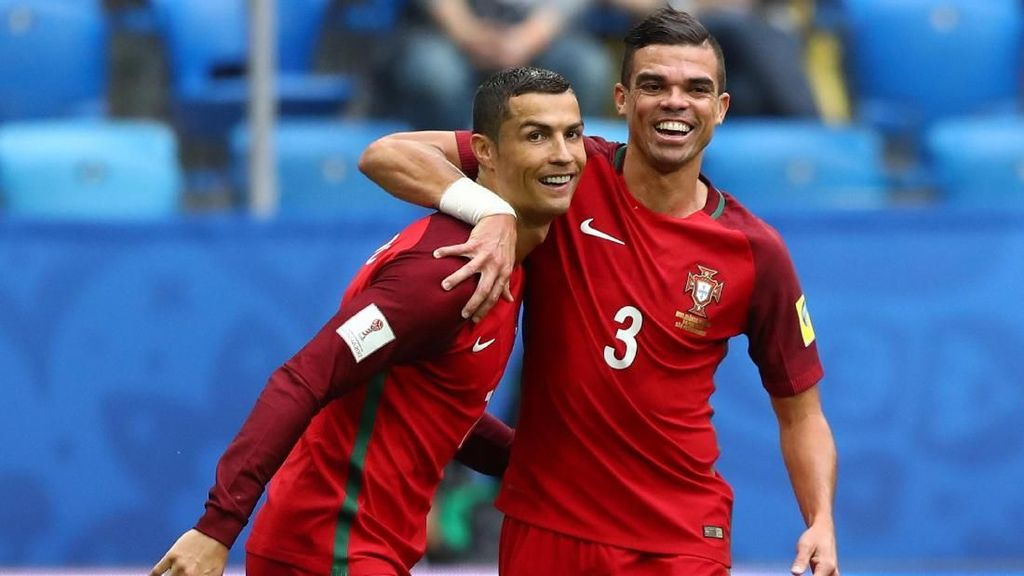 Pepe Ajak Ronaldo Gabung Besiktas