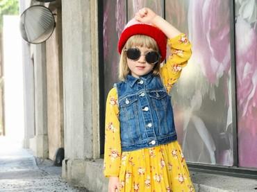 Bunda Goldie adalah fashion blogger. Pantas aja penampilan Goldie selalu kece ya. He-he-he. (Foto: Instagram/fancytreehouse)