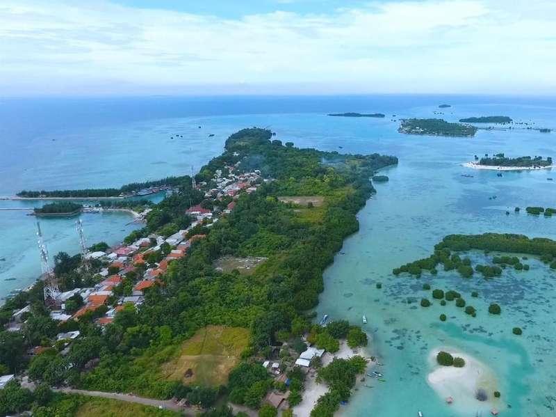 Di Balik Pesona Keindahan Pulau Pari