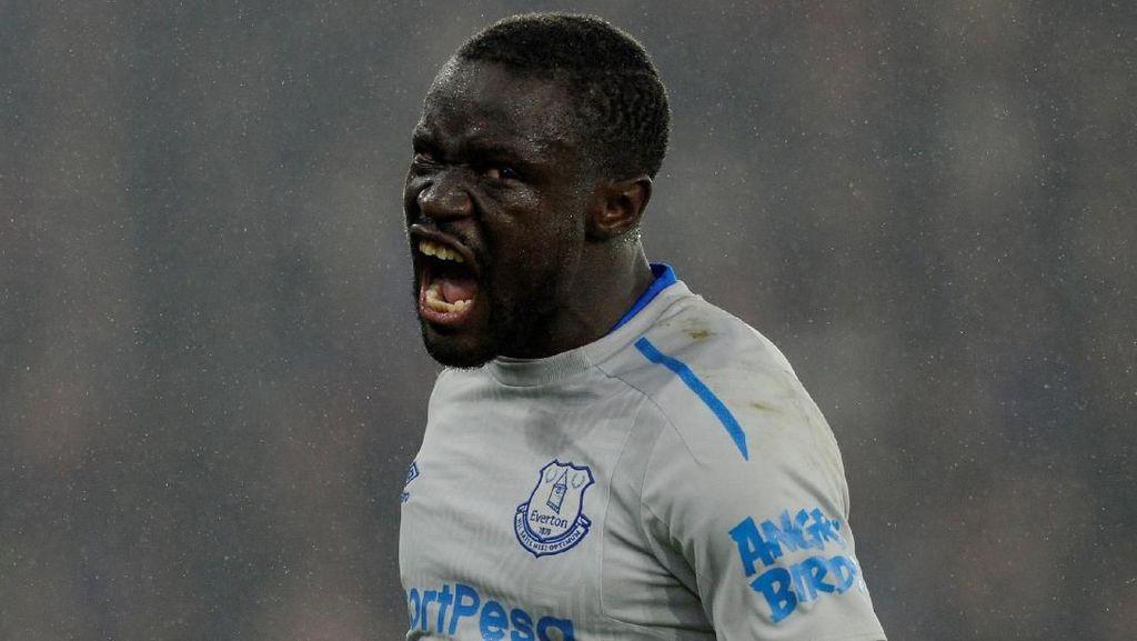 Diving, Striker Everton Dihukum Dua Laga