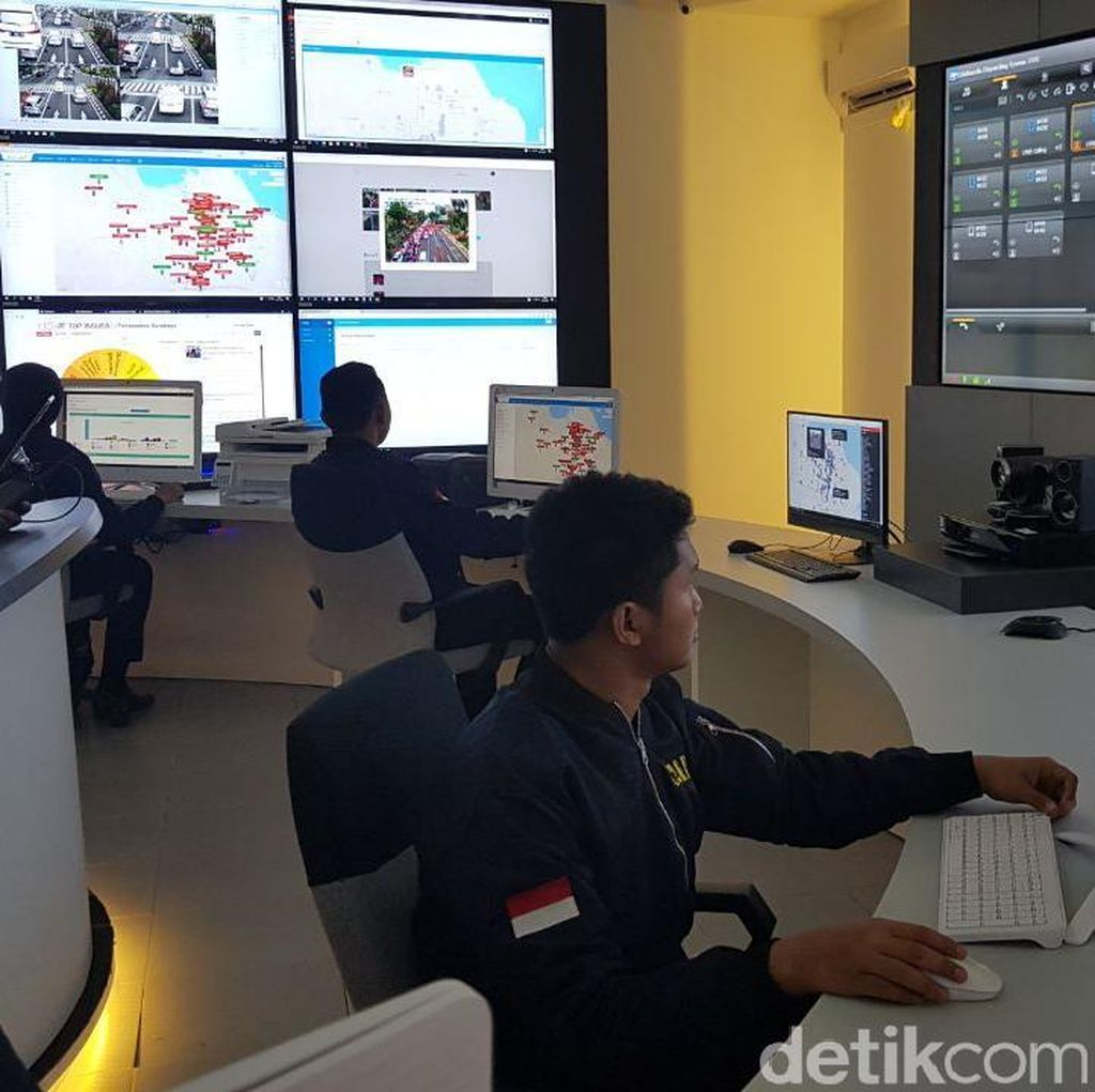 Pujian Kapolda Jatim untuk Command Center Polrestabes Surabaya