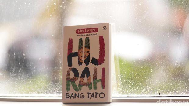 Lewat Novel 'Hijrah Bang Tato', Fahd Pahdepie Sebarkan Paham Deradikalisasi