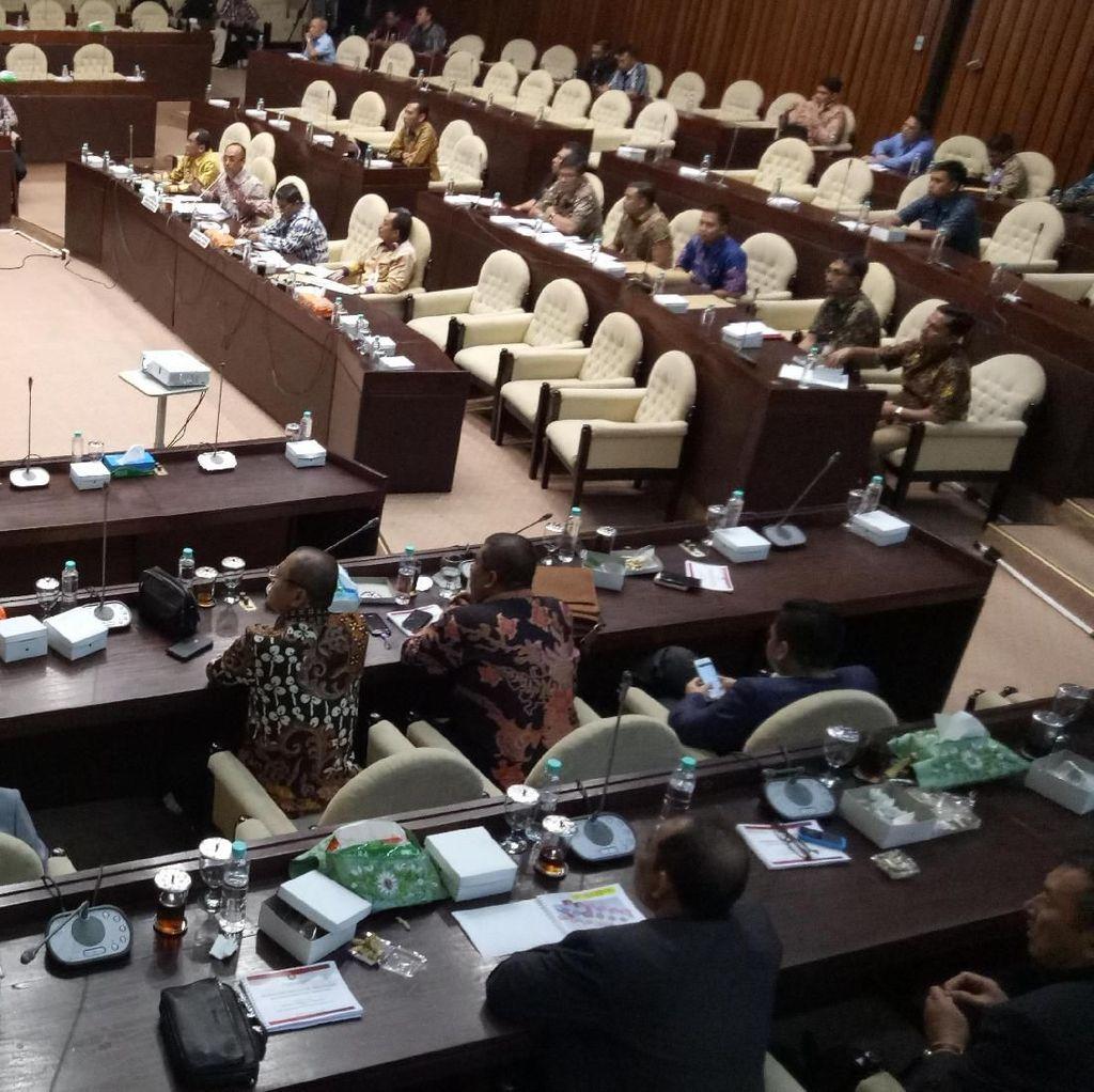 Komisi II DPR Rapat Bareng Kemendagri Bahas Persiapan Pilkada 2018