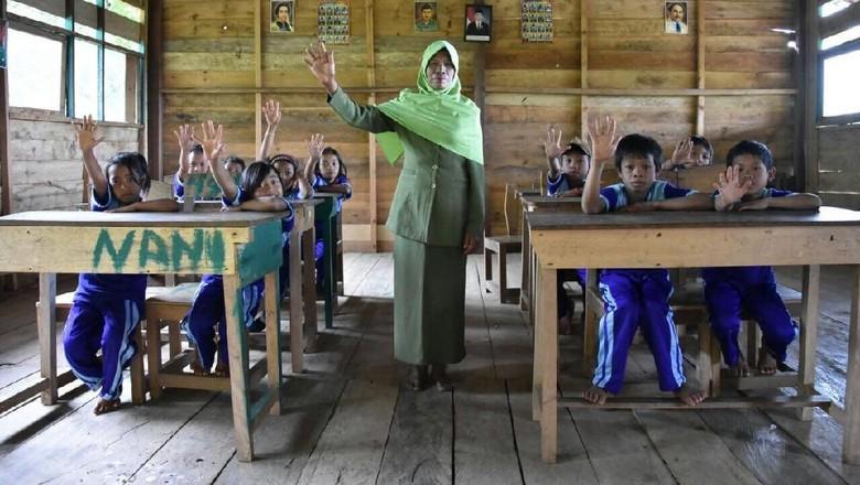 Mengkritisi Kompetensi Guru - Jakarta Tanggal November diperingati sebagai Hari Guru adalah elemen penting dalam Akan seperti apa dan bagaimana bangsa Indonesia