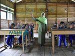 Halifah Mengajar SD di Pedalaman Bone dengan Honor Rp 200 Ribu/Bulan