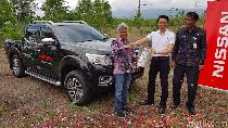 Nissan Navara untuk Penghijauan Gunung Agung