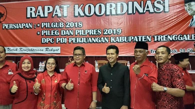PDIP Tiga Kali Pertahankan Emil dari Rayuan Kubu Khofifah