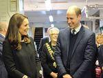 Tatapan Cinta Pangeran William ke Kate Middleton Saat Blusukan
