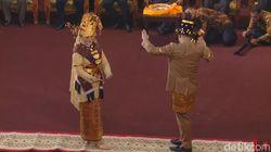 Usai Manortor, Kahiyang-Bobby Tinggalkan Lokasi Pesta Adat