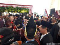 Raja-raja dari Sumatera Utara Hadiri Pesta Adat Kahiyang-Bobby