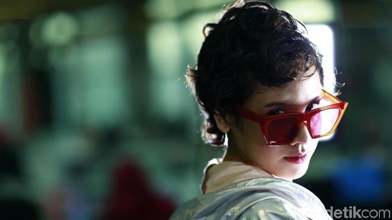 Challenge: Uji Pengetahuan Dea Dalila Seputar Lagu