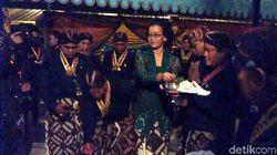 Tandai Sekaten di Yogya, Putri Sultan Sebar Udhik-udhik