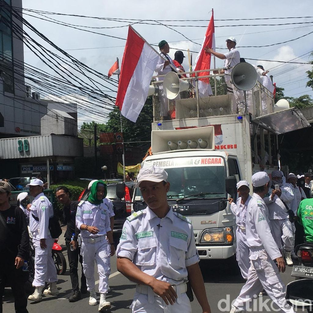 Mobil Komando Massa 2411 Tiba di DPP NasDem, Lalin Ditutup