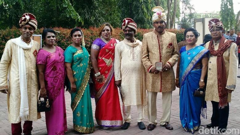 Warga Keturunan India Beri 2 Persembahan untuk Kahiyang-Bobby