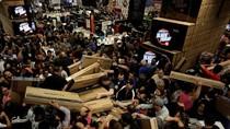 Ribuan Orang Rela Berdesakan demi Berburu Diskonan