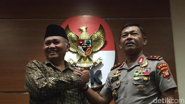 Polisi Sudah Periksa Saksi untuk - Jakarta Polisi sudah mengerucutkan penyidikan teror ke Novel Baswedan ke dua terduga sosok Kesimpulan itu diambil setelah penyidik