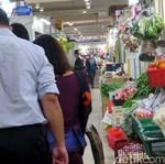 Yuk Intip Pasar Tradisional Singapura, Becek Enggak Ya?