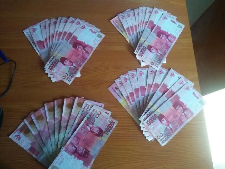 Polisi Cari Pengedar Uang Palsu di Pasar Pesing