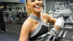 Cantik dan ramping, ternyata sederet finalis Miss Universe 2017 ini gemar berolahraga. Mulai dari fitnes di gym hingga olahraga berat, seperti kick boxing.