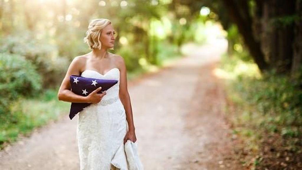 Ada Kisah Sedih di Balik Wanita yang Pemotretan Sendirian untuk Foto Pernikahan