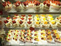 Ragam Cake dan Choux Jepang Berkualitas Kini Bisa Dinikmati di Chateraise