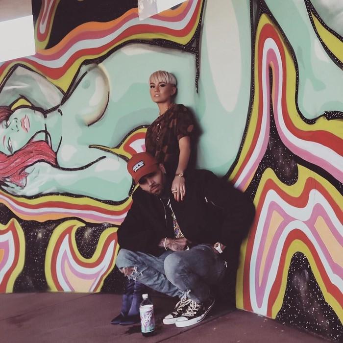Agnez Mo makin sukses dengan karier bermusiknya. Pelantun lagu Long As I Get Paid ini bahkan disebut-sebut akan berduet dengan penyanyi ngehits Chris Brown. (Foto: Instagram @agnezmo)
