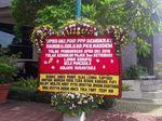 Ada Karangan Bunga Bernada Satire di Depan Kolam DPRD, Buat Siapa?
