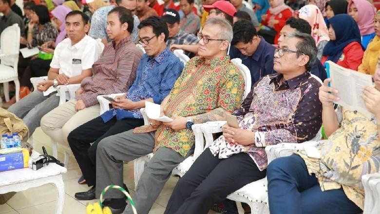 AFI Kupas Tuntas Penggunaan Film - Banyuwangi Apresiasi Film Indonesia menggelar Kuliah Umum Penggunaan Film Dalam Pendidikan di Aula Universitas Tujuh Belas Agustus Dalam