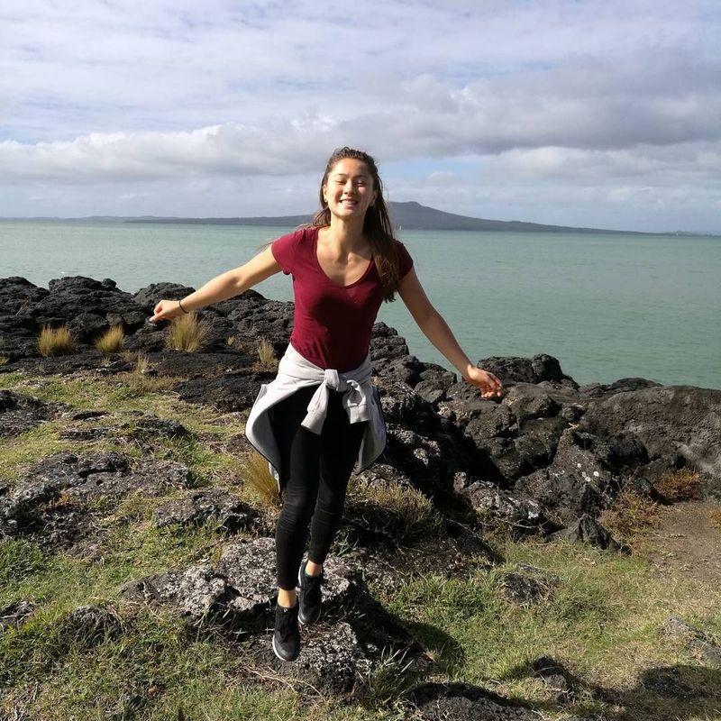 Gronya Somerville adalah pebulutangkis asal Australia. Ia bukan hanya suka bermain badminton saja, tetapi gemar traveling juga lho! (Instagram/gronyasomerville)