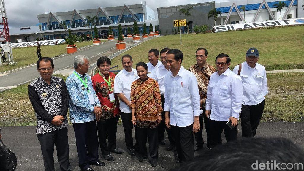 Berbahasa Batak, Jokowi Resmikan Terminal Bandara Internasional Silangit