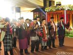 Raja-raja Manortor di Pesta Adat Kahiyang-Bobby