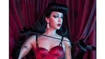 Ini Transgender Pertama yang Didaulat Jadi Model Lingerie