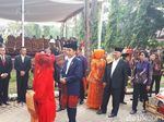 Jokowi Disambut Tortor Mundur di Puncak Pesta Adat Kahiyang-Bobby