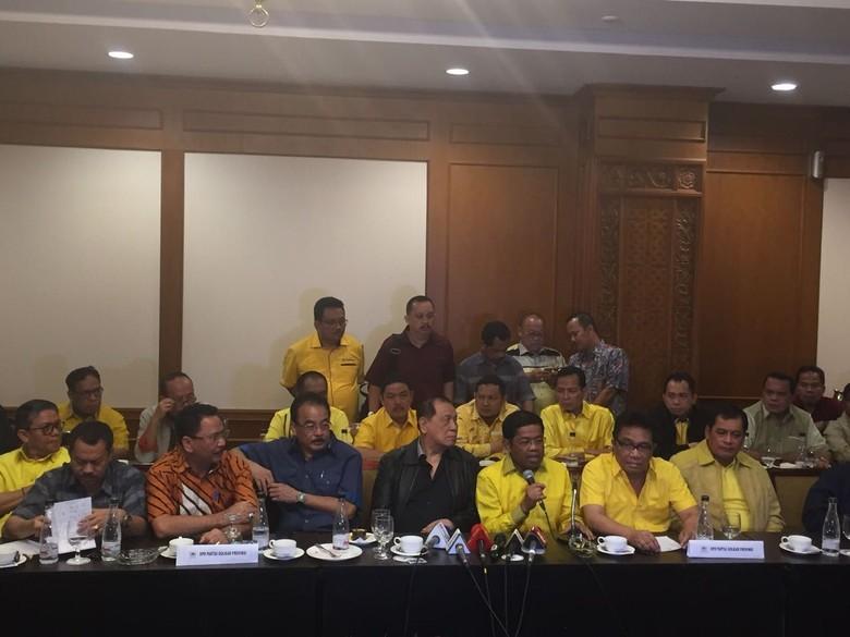 Kumpul Bareng DPD I Hormati - Jakarta DPP Golkar malam ini mengumpulkan seluruh ketua DPD I untuk menyampaikan hasil keputusan rapat pleno Perwakilan DPD