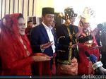 Diiringi Hujan, Jokowi Tinggalkan Lokasi Pesta Adat Kahiyang-Bobby