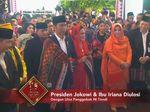 Jokowi dan Iriana Diulosi dengan Ulos Panggobak Ni Tondi