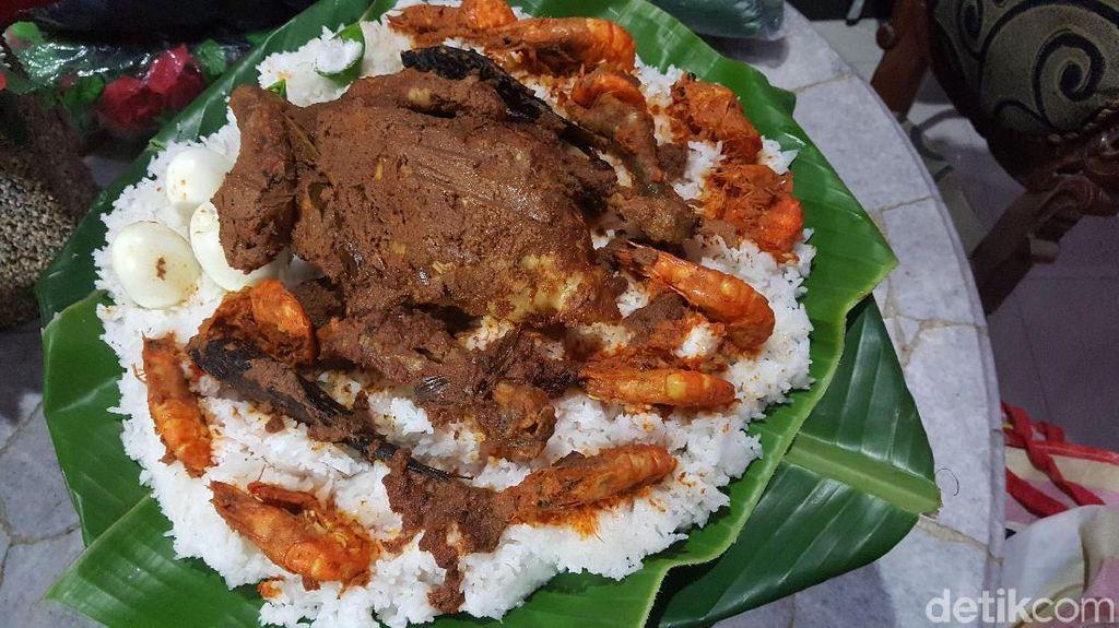 Ini 7 Makanan yang Simbolik Dalam Sajian Mangupa Kahiyang-Bobby