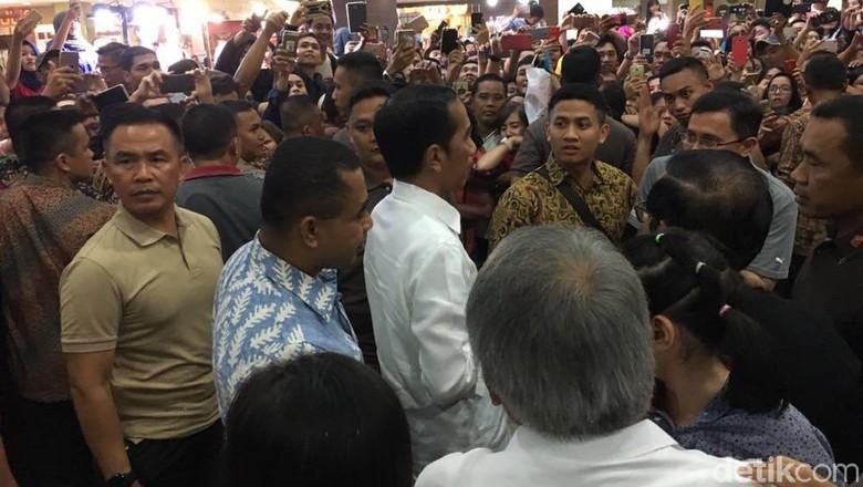 Lincahnya Jan Ethes Bantu Jokowi Main Basket Lawan 2 Menteri