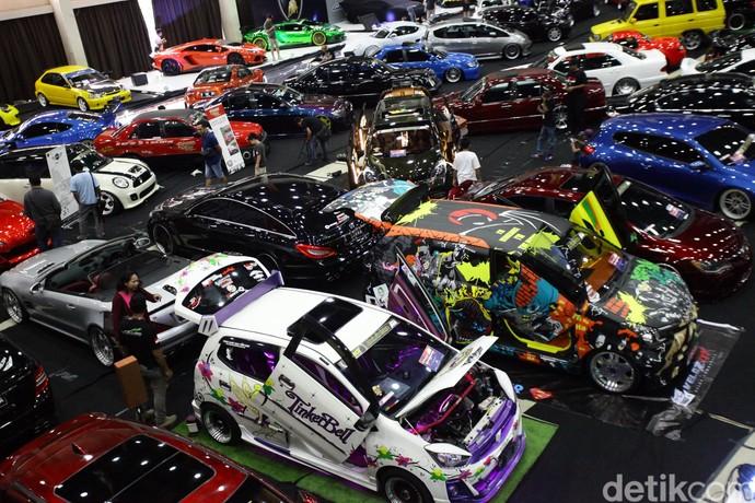 Ratusan Mobil Modifikasi Ramaikan International Automodified