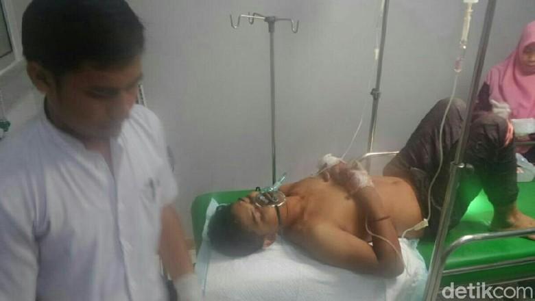 Remaja Korban Penusukan Dipicu Motor - Situbondo Remaja korban penusukan dipicu di Situbondo meninggal Sudiyanto tewas setelah dua hari menjalani perawatan intensif di RSUD