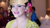 Foto: Warna-Warni Kebaya Pengantin Kahiyang Ayu dari Solo Hingga Medan