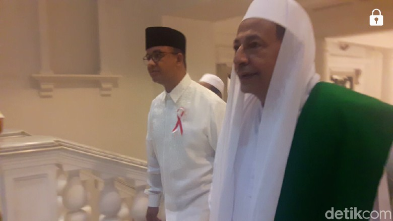 Sambangi Balai Kota, Habib Luthfi dan Anies Gelar Pertemuan Tertutup